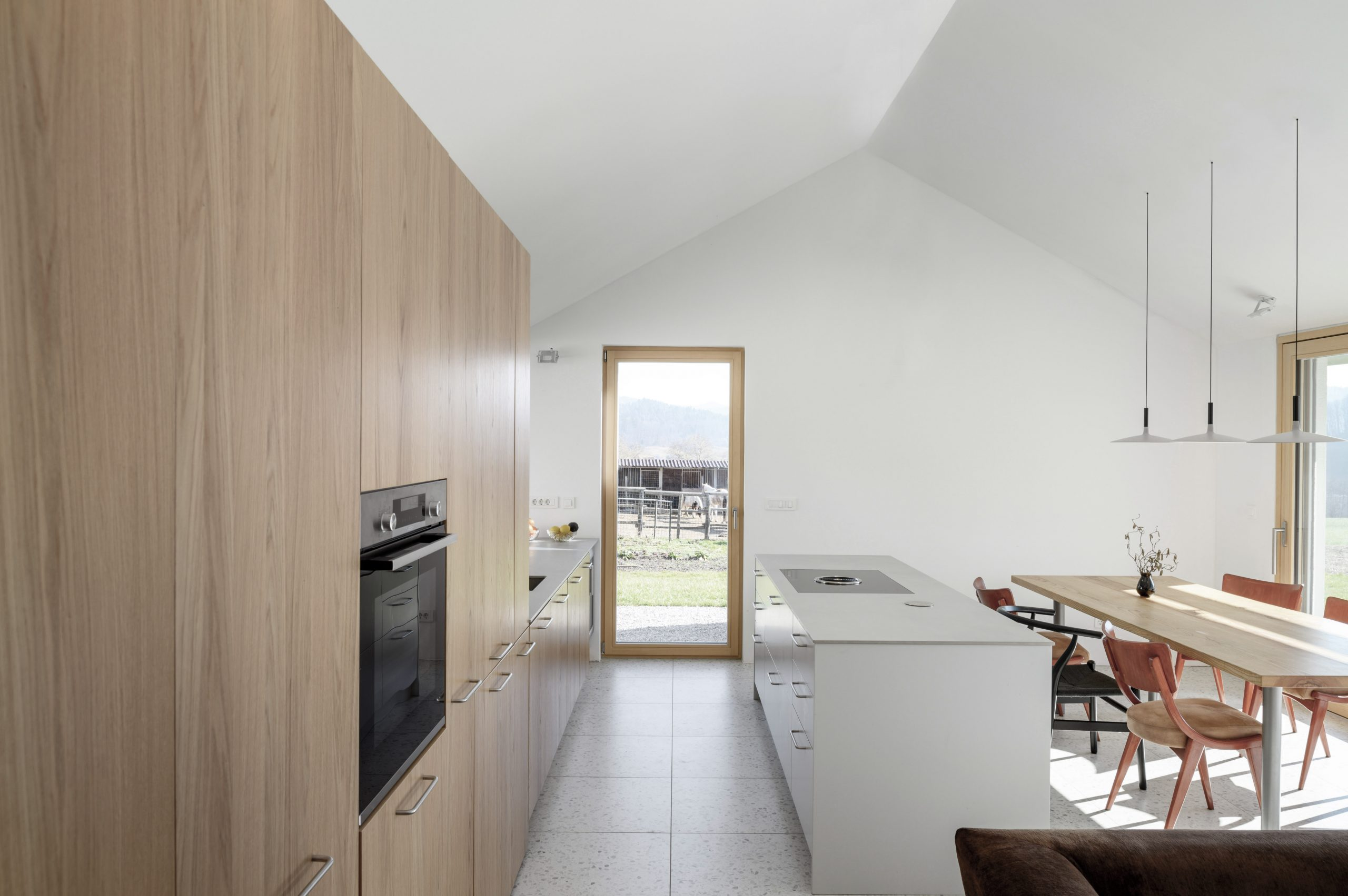 house-for-simple-stay_04